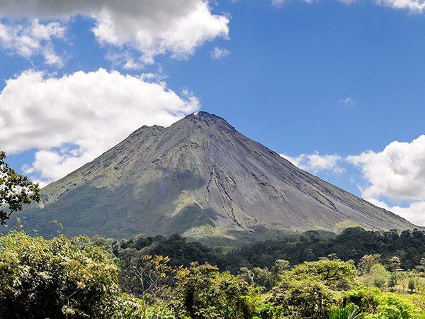 A Guide to Family Travel in Arenal & La Fortuna Costa Rica